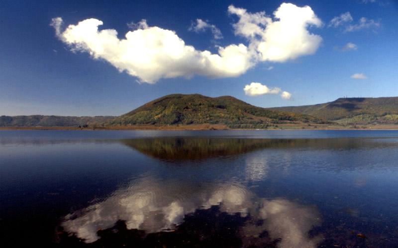 Il Lago di Vico e i Monti Cimini