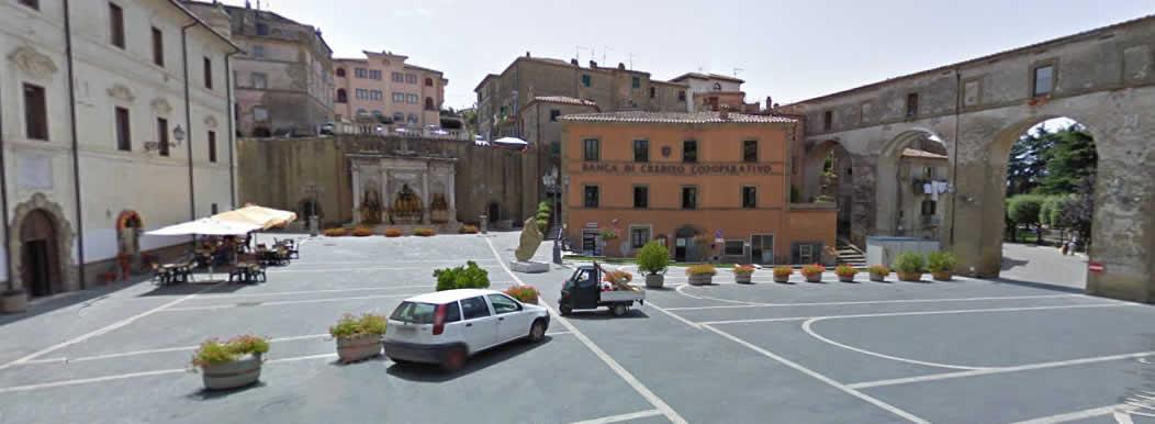 Piazza Comune di Farnese Appuntamento Passeggiate Etruscan Corner