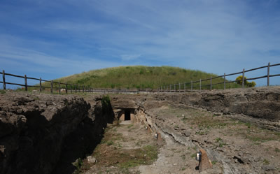 Il Tumulo della Cuccumella a Vulci Ingresso Est Etruscan Corner