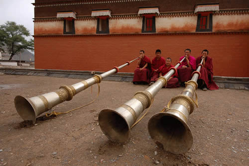 Potenza del Suono Levitazione Acustica Trombe Tibetane