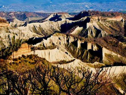 La Grotta Delle Stelle - Valle Dei Calanchi